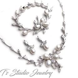 Freshwater Pearl Necklace Earrings Bracelet