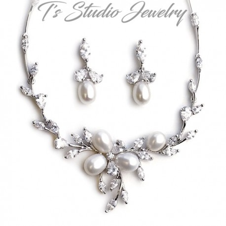 Freshwater Pearl Necklace & Earrings Bridal Jewelry Set