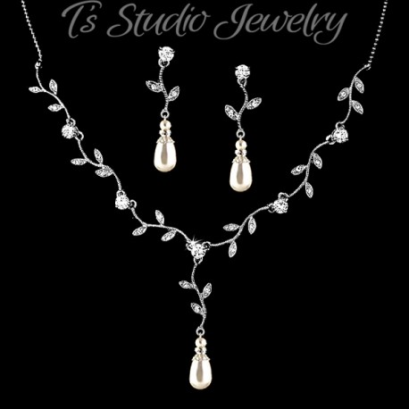 Pearl & Crystal Vine Leaf Design Jewelry Set