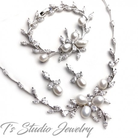 Freshwater Pearl Necklace Earrings Bracelet Bridal Jewelry Set