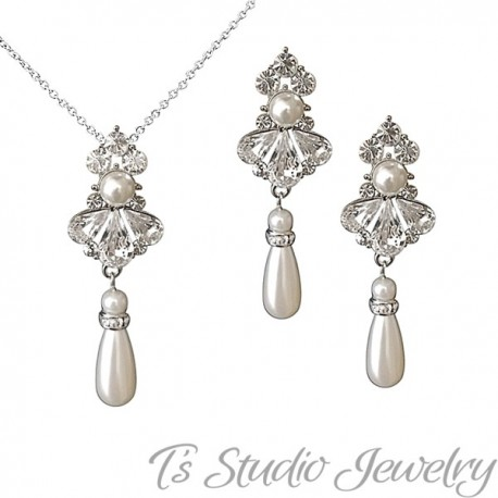 Crystal and Pearl Bridal Necklace Earring Set