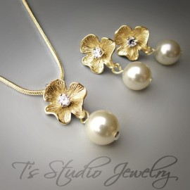 Gold Flower Necklace and Earrings Bridesmaid Set